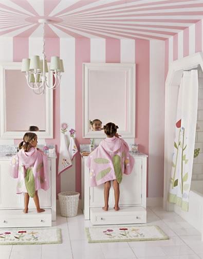 Family friendly friday kids bathroom ideas marker girl for Kids bathroom ideas girls