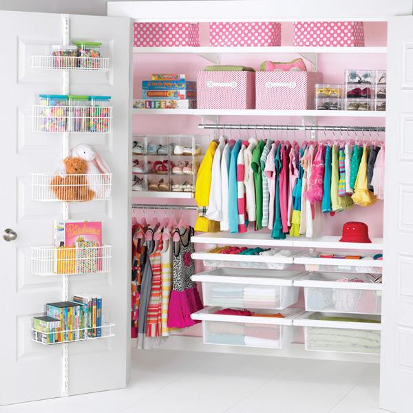 EL_14_Girls_reach-in_Closet_R0910_CM