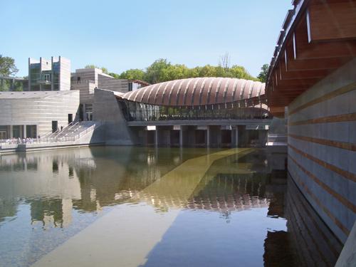 Crystal_Bridges_Museum_of_American_Art--2012-04-12B