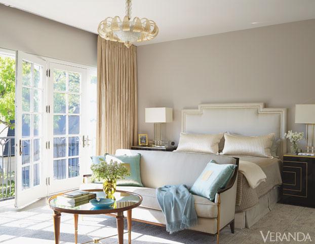 Ver-Jan-Showers-guest-bedroom-de-78506120