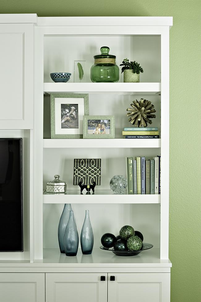 Bookcase accessorizing
