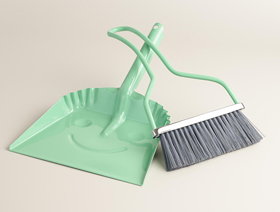 happycleaningdustpan2