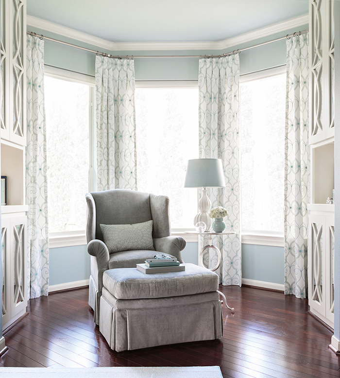 So Elegant Love A Sitting Area In A Master Bedroom By: Mom's Retreat Master Bedroom